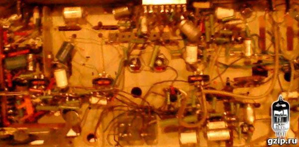 Старый радиоприёмник может стать источником радиодеталей